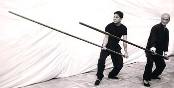 מקל ארוך בשימוש קונג פו ווינג צ'ון