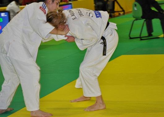 קרב ג'ודו וג'וג'יטסו נשים תחרות אומנות לחימה