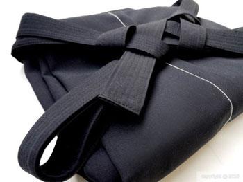 האקאמה מקופלת - לבוש מסורתי יפני