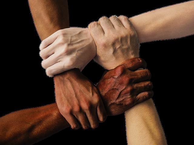 ידיים ביחד - חיבור