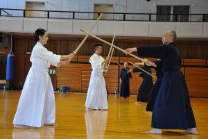 אימון Jodo לחימה במקל מול חרב