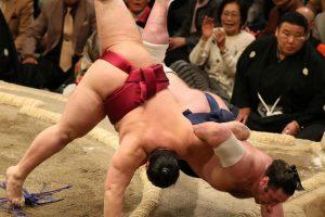 סומו - היאבקות יפנית מסורתית